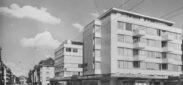 """Schlieren, Foto: anonym, 10.5x15 cm, Postkarte,  Archiv: Jost Bau AG, Ordner blau, """"Fotos 1950 -, Schlieren diverse"""", Beschriftung: ZŸrcherstr. 20"""