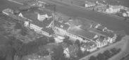 Schlieren, Foto: Swissair Photo+ Vermessungen AG, 21x29 cm, PE, Archiv: Stadtarchiv Schlieren, Abteilung II.B., 26. Kulturelles, 26.03.20 Fotoarchiv Flugaufnahmen, Beschriftung: Bildnummer 11052, Sep. 48